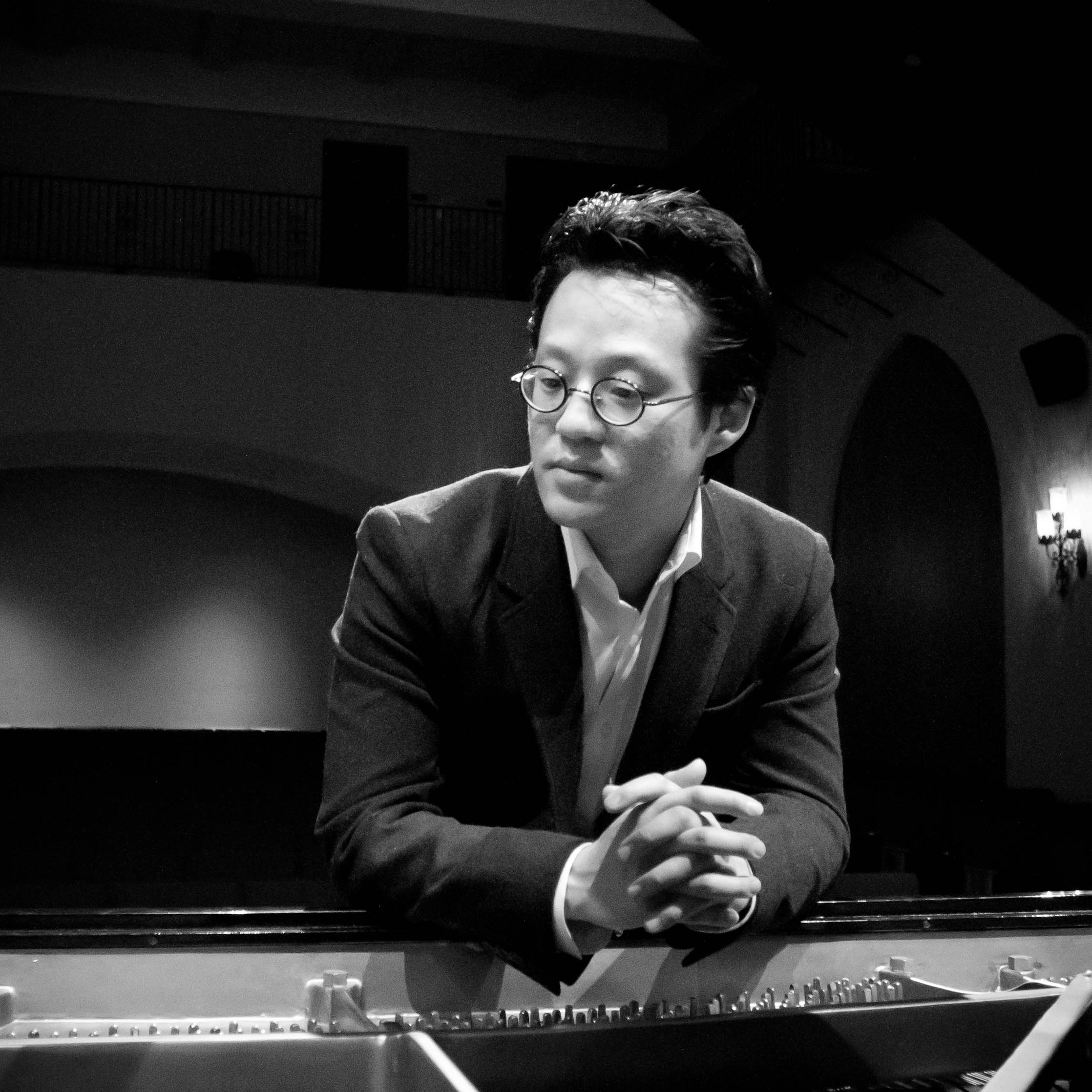 Sang Woo Kang, Pianist in Review