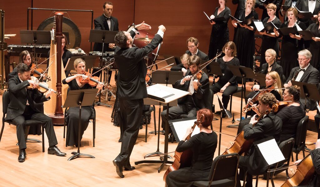 Distinguished Concerts International New York (DCINY) presents True Concord Voices and Orchestra in Review